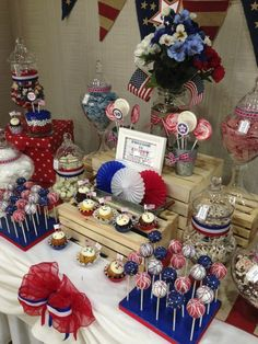 Cake Pops (Cake on a Stick) and treat table instead of a cake? Military Send Off Party Ideas, Military Retirement Parties, Military Party, Retirement Ideas, Military Wedding, Patriotic Party, 4th Of July Party, Fourth Of July, Patriotic Decorations