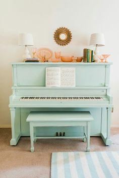 Aesthetic sea foam piano<3