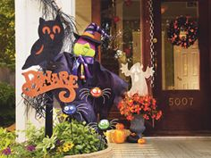 Halloween Lit Door Wreath, large