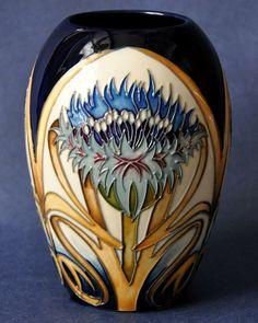 Moorcroft Pottery Cornflower Cavalcade 102/5