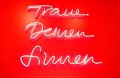 ZEICHEN & WUNDER / Caffè-Tassen Kollektion / #Traue #deinen #Sinnen #Packaging #Design #Gestaltung / by Zeichen & Wunder, München Corporate Design, Typo, Neon Signs, Colors, Brand Design, Colour, Color, Brand Identity Design, Hue