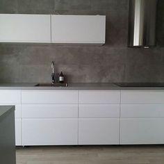 New Kitchen Ikea Voxtorp Cabinets Ideas Kitchen Ikea, Blue Kitchen Decor, Grey Kitchens, Apartment Interior Design, Küchen Design, Kitchen Backsplash, Kitchen Renovations, 31 Ideas, Crazy Video