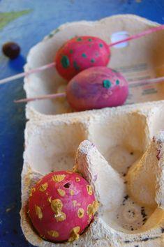 Ostereier ausblasen  macht Kindern Riesenspaß • Mami rocks Ursula, Blog, Zero Waste, German, Bricolage, Red Paper, Green Ideas, Sustainable Gifts, Nice Things