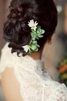 Tóc cưới với hoa tươi 2013