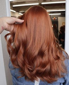 After reading this article, you can consider trying ginger hair in this autumn a. After reading this article, you can consider trying ginger hair in this autumn and winter season, and the effect it Magenta Hair Colors, Bright Red Hair, Red Hair Color, Red Colour, Rojo Color, Ginger Hair Color, Butter Blonde, Auburn Red Hair, Auburn Hair Colors