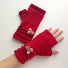 Items similar to Cashmere fingerless gloves / wrist warmers in red with flowers / holiday gift on Etsy Valentine Gifts, Holiday Gifts, Half Gloves, Sewing Scarves, Wool Gloves, Fingerless Mittens, Wrist Warmers, Craft Projects, Craft Ideas