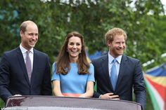 Happy Families Prince William Left Told The Adoring Crowd The Duchess Of Cambridge