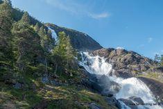 Langfoss – Fra utsiktspunktet kan en beundre både utsikt og buldringen. Van Life, Norway, Water, Outdoor, Gripe Water, Outdoors, Outdoor Games, The Great Outdoors