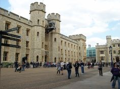 The spot where Anne Boleyn was executed - between the White Tower and Crown Jewels.