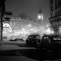 mimbeau:  Gare de Lyon - Tour de l'Horloge Paris 1956 Philippe Bataillon / INA