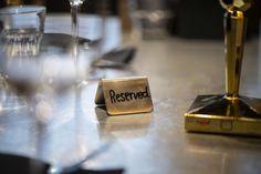 Ab nächsten Freitag, 15. Mai, könnt ihr unsere Rocket Gerichte auch endlich wieder vor Ort genießen. 👍🏼🍽😋 Am besten ihr reserviert euch gleich online einen Tisch in unserem 𝐑𝐨𝐜𝐤𝐞𝐭 𝐑𝐞𝐬𝐭𝐚𝐮𝐫𝐚𝐧𝐭 & 𝐁𝐢𝐬𝐭𝐫𝐨 #rocketroomsvelden#livetherocketlifestyle Bar Bistro, Restaurant, Mai, Place Cards, Place Card Holders, Friday, Table, Diner Restaurant, Restaurants