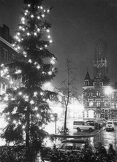 Kerst in Utrecht 1965: De Mariaplaats, richting Zadelstraat