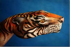 Risultati immagini per mario mariotti Hand Art, Body Painting, Body Art, Hand Painted, Animals, Image, Cosplay, Inspiration, Hands