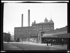 bushwick-unidentified-industrial-district-new-york-new-york-late-19th-picture-id174348587 (1024×784)