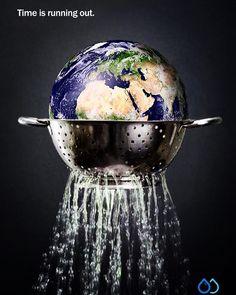 "Katherine Allison and Roni Samuels, United Kingdom, ""Time is running out"": Katherine Allison en Roni Samuels, Verenigd Koninkrijk, ""De tijd dringt"": Ads Creative, Creative Posters, Creative Advertising, Advertising Design, Advertising Campaign, Creative Design, Environmental Posters, Save Environment, Save Our Earth"