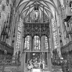 Ulmer Münster the original main altar was destroyed by the iconoclasts of the Reformation. The current altarpiece from the early 16th century is a triptych showing figures of the Holy Family and the Last Supper in the predella.  #ig_architecture #blackandwhite #ulm #500px #june4 #deutschland #explorer #adventuretime #adventures #wanderlust #traveling #travelgram #travelingram #mytravelgram #instatraveling #traveler #igtravel #tourism #trip #travelphoto #iphone #instagood #germany…