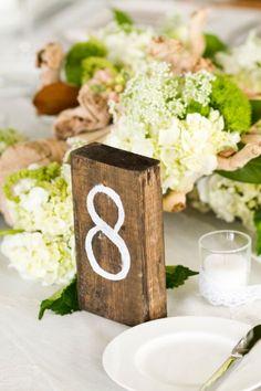12 formas simples de crear meseros para la boda #Entrebastidores #weddingideas  https://www.pinterest.com/manugarciabride/wedding-ideas/