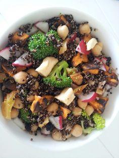 Radish, broccoli, chickpea, dried currants, apple and pear, roasted sweet potato and quinoa