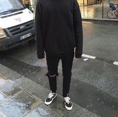 New sweatshirt outfit men simple Ideas Vans Outfit, Sweatshirt Outfit, Boy Outfits, Winter Outfits, Outfits For Men, Grunge Outfits, Korean Fashion, Mens Fashion, Boy Fashion