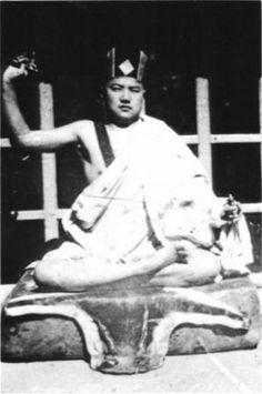 Rangjung Rigpé Dorjé, the 16th Karmapa posing as Karma Pakshi, the 2nd Karmapa.