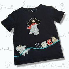 T-Shirts - Geburtstagsshirt Pirat mit Namen / Dunkelblau - ein Designerstück von littelMuckyDesign bei DaWanda
