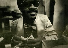 Stevie Wonder by Annie Leibovitz for Rolling Stone (1973) Interview / Article