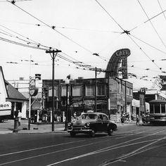 119 mentions J'aime, 2 commentaires – Propos Montréal (@proposmontreal) sur Instagram : «Un taxi et le tram No 77 remontent le boulevard Saint-Laurent au coin de l'avenue Bernard dans les…»