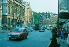 Beautiful London in 1976 Through a German Traveler's Lens ~ vintage everyday Vintage London, Old London, West London, Kensington And Chelsea, Kensington London, England Uk, London England, Ancient Greek Architecture, Gothic Architecture