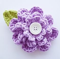 Large Button Flower Applique with Leaf by annemariesbreiblog, €3.50