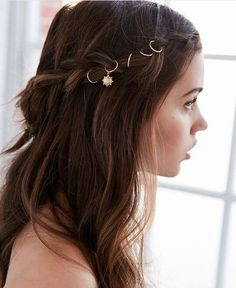 This would be a great hairdo for Prom or Homecoming