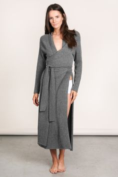 Epitome of style and elegance. Part of Lunya's Luxe Collection, The Washable Cashmere Merino Robe is unlike any robe before with a beautifully modern cut, convenient pocket, high slit, and flattering waist tie front closure. Made of luxurious Cashmere and high quality Merino wool that won't take you to the cleaners… literally it doesn't need to be dry cleaned.   Quality Cashmere Merino Blend Wearable &Washable  Elegant and Slimming Silhouette Made in California    LUNYA FIT TIP Fits true…