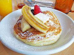 ¿Cómo hacer la receta de Hot cakes esponjosos estilo americano o tortitas? Uno de los desayunos más típicos en los Estados Unidos.