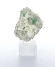 Bliss Mineral Collection Zeolite - A watery light green is one of the most common color occurrences in zeolite