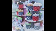 Ob Body, Sockchen, Mütze oder Waschlappen.  Sie wählen, wir verpacken es als Cupcake (Muffin) Baby Cupcake, Cupcake Muffin, Minis, Cupcakes, News, Packaging, Gifts, Cupcake Cakes, Cup Cakes