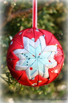 In this collection, we are offering 17 Unique and Unexpected DIY Christmas Ball Ornaments. We promise, these DIY ornaments will astound you. Easy Ornaments, Fabric Christmas Ornaments, Christmas Sewing, Handmade Ornaments, Handmade Christmas, Christmas Fun, Star Ornament, Christmas Decorations, Quilted Ornaments