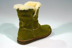 Eco-friendly women's boots made with natural wool, cork and leather handcrafted in Italy
