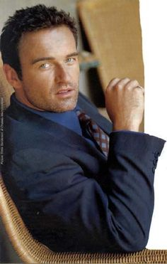 Julian McMahon (Nip/Tuck) All time favorite show. Julian Mcmahon, Australian Cattle Dog, Australian Actors, Brooke Burns, Holly Marie Combs, Hottest Male Celebrities, Celebs, Celebrities Exposed, Male Models