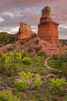 11 Breathtaking Canyons in the US You Can't Miss Palo Duro Canyon in Texas. After wading and scrambling through slot canyons in Utah last week, we put together a list of 11 breathtaking canyons in the US that must be explored // Local Adventurer Paria Canyon, Zion Canyon, Waimea Canyon, Texas Travel, Travel Usa, Tulum, Places To Travel, Places To Visit, Waco Texas
