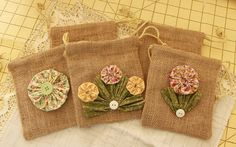 Items similar to 5 Burlap Gift Bags with YoYo Flowers and Buttons for Rustic Wedding and Party Favors - Bohemian (ready to be shipped) on Etsy Burlap Projects, Burlap Crafts, Fabric Crafts, Sewing Crafts, Sewing Projects, Burlap Party, Burlap Gift Bags, Party Favor Bags, Handmade Flowers