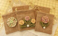 Pochettes fleuries de yoyos