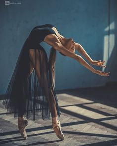 ballerina, dance, and ballet image - Photo Dance Photography Poses, Dance Poses, Dance Picture Poses, Sad Girl Photography, Movement Photography, Ballet Dance Photography, Gif Dance, Body Art Photography, Photography Ideas