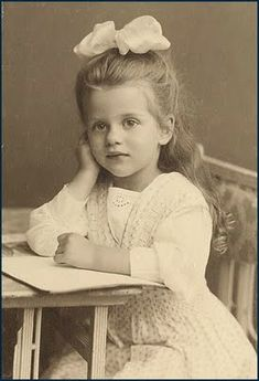 ::::::::: Vintage Photograph :::::::::   Victorian child - she melts my heart.