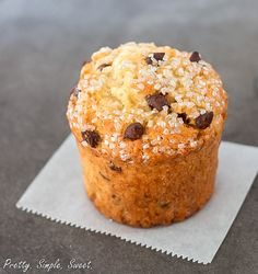 Ingredients  1 3/4 cups (250 grams or 8.8 ounces) all-purpose flour 2 1/2 teaspoons baking powder 2/3 cup (135 grams or 4.8 ounces) granulated sugar 1/4 teaspoon salt 1 large egg, slightly beaten 1 cup milk 1/3 cup canola oil (or vegetable, safflower) 1 teaspoon vanilla extract 1 cup chocolate chips/chunks Instructions