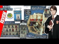 Review Nano Metalfigs HARRY POTTER + diorama Torre de Gryffindor DTC Jada Toys - brinquedo diecast - YouTube Harry Potter Toys, Mundo Harry Potter, Diorama, Jaba, Lego Sets, Diecast, Baseball Cards, Youtube, Books