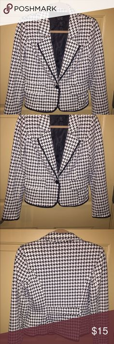 Blazer Black and White Size 8 Peplum Blazer Black and White with Cute Waist Defining Detail on Back,  Polyester/Rayon/Spandex. (Blazer Only) Donna Morre Jackets & Coats Blazers
