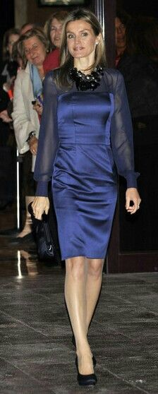 Letizia of Spain. Blue dress and necklace.