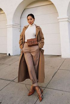 The Easiest Way to Make Your Outfit Look Expensive This Season Beige outfits: Aimee Song in camel coat and beige trousers Beige Outfit, Camel Coat Outfit, Neutral Outfit, Fashion Mode, Big Fashion, Look Fashion, Womens Fashion, Fashion Trends, Petite Fashion
