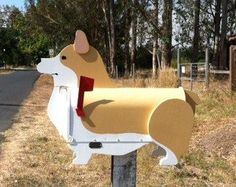 Corgi mailbox… Yup, Carrick doesn't know it but we are going to have this for our house!