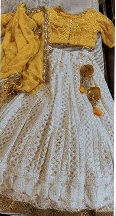 Indian Gowns Dresses, Indian Fashion Dresses, Dress Indian Style, Indian Designer Outfits, Fashion Outfits, Half Saree Designs, Lehenga Designs, Blouse Designs, Stylish Dress Designs