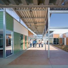 Image 6 of 13 from gallery of High Tech High Chula Vista / Studio E Architects. Photograph by Jim Brady Architectural Photography School Architecture, Architecture Details, High Tech High, Oregon City, Chula Vista, New Classroom, Learning Spaces, School Design, Exterior